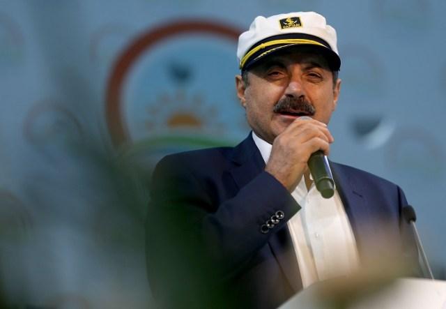 """Bakan Çelik: """"Balıkçı barınakları ve KDV ile ilgili sorunların farkındayım. Sorunları bir masa etrafında toplanıp birlikte çözme iradesine sahip olduğumuzu özelikle bilmenizi istiyorum."""" (Fotoğraf: Şebnem Coşkun - Anadolu Ajansı )"""