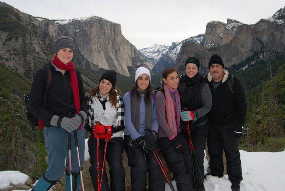 Yosemite-Family-Snowshoe-YExplore-DeGrazio-568