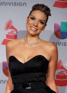 Laura Mayolo of Mojito Lite poses during the 14th Latin Grammy Awards in Las Vegas, Nevada November 21, 2013. REUTERS/Steve Marcus (UNITED STATES Tags: Entertainment) (GRAMMYS-BACKSTAGE) ORG XMIT: LOA207