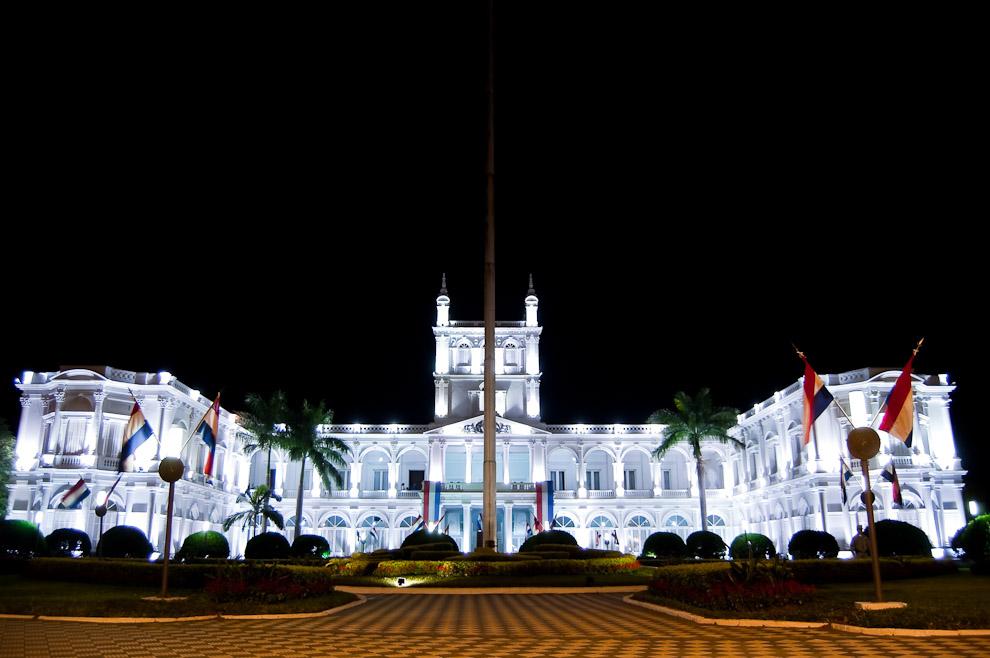 Palacio de los López, sede del gobierno paraguayo. Se empezó a construir en 1857, por el arquitecto Alonso Taylor. (Asunción, Paraguay - Elton Núñez)