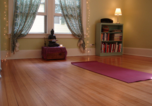 Crea tu habitaci n ideal para la pr ctica de yoga en casa for Crea tu cuarto