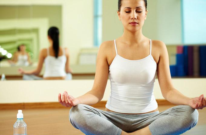 C mo practicar yoga gu a general yogateca - Inicio yoga en casa ...