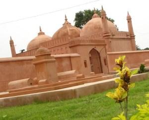 ChapaiNawabganj Tourist Spots are Choto Sona Mosque