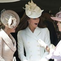 Queen issues new rules on royal curtsy pecking order
