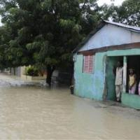 Tropical Storm Isaac lashes Cuba, with Florida Keys in sights