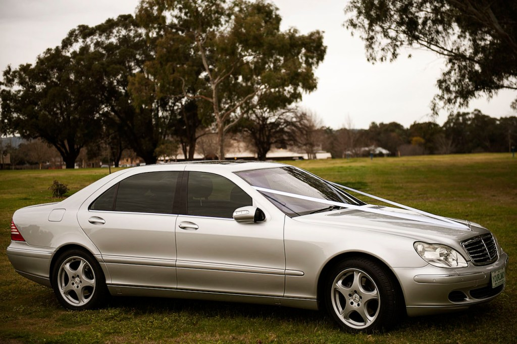 Limo hire Perth wedding car hire