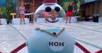 House guests play the HOH competition on Big Brother 16 episode 29