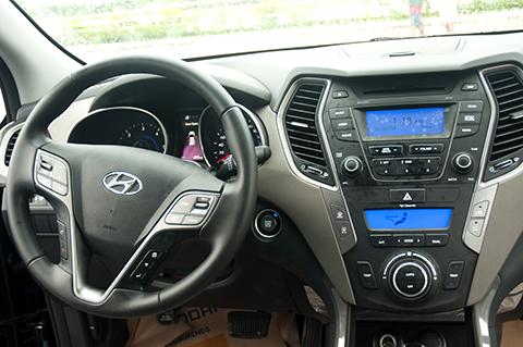 Hyundai Santa Fe dashboard