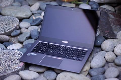 ASUS Zenbook UX302LA 1
