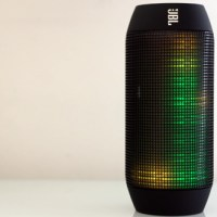 JBL Pulse Quick Review: Music and Lights in Action