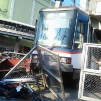 Breaking: MRT-3 train gets derailed at Taft Ave. Station