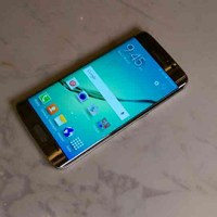 Samsung unveils Galaxy S6 Edge, curves both sides!