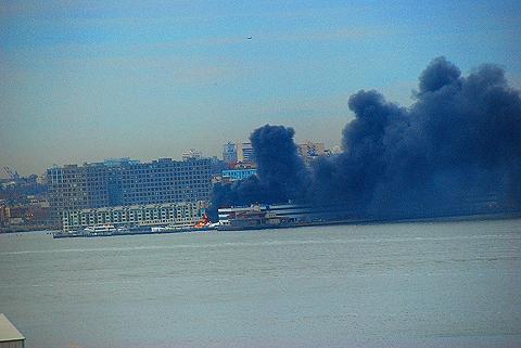 NY-NJ- 2 Boats burn in Weehawken Harbor, New jersey
