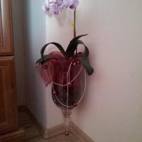 Jak łatwo i prosto ozdobić doniczkowy kwiatek?