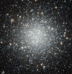 Spot the Difference — Hubble spies another globular cluster, b