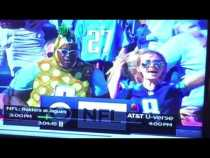 What Is This Marcus Mariota Fan Wearing? #INDvsTEN – Vlog