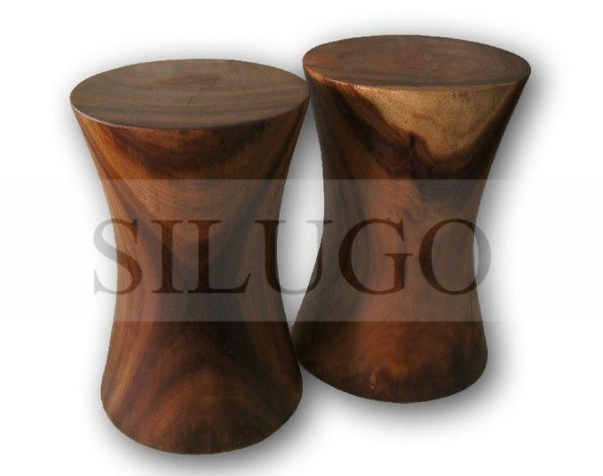 Jak mohou vypadat atraktivní stoličky z masivního dřeva?