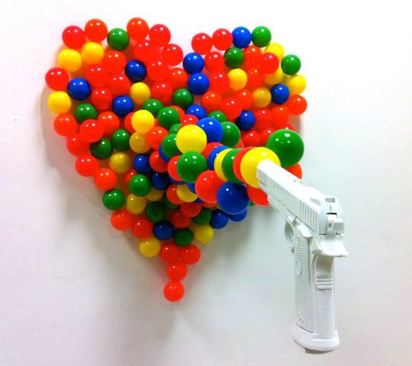 Straight to heart - pistola giocattolo e sfere in PVC, 2mØ x 150 cm