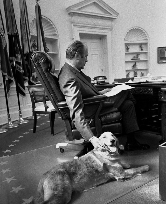 President Gerald Ford and Liberty in the Oval Office in 1974