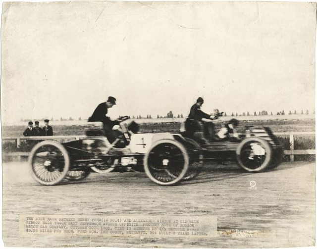 Henry Ford vs. Alexander Winton car race - 1901