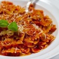 Jak zrobić prawdziwy włoski sos pomidorowy do makaronu?