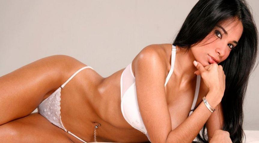 Johany Vegas desnuda en Atacada [VIDEO]