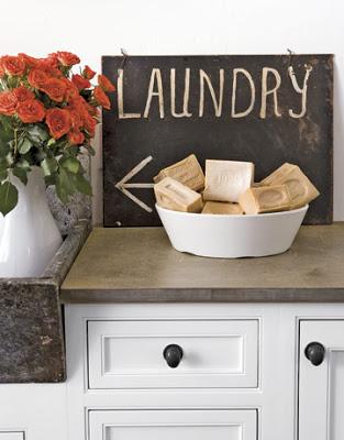 Laundry-Blackboard-HTOURS0207-de1