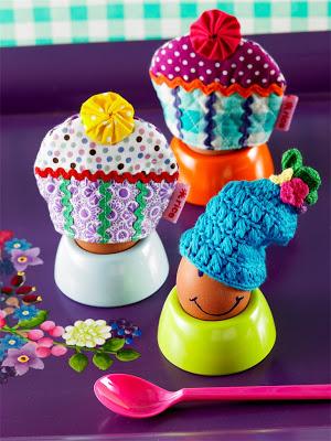Eggcosies.jpg@p0x0-q85-M1280x1024-FrameNumber11