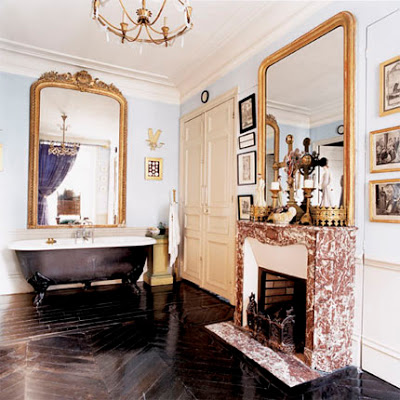 Marie_Claire_maison_clawfoot_bathroom_of_Eric_Bergere1