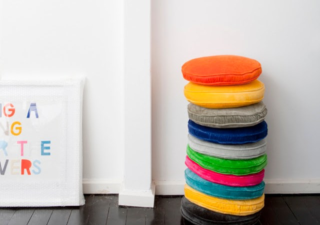 CUSHION-STACK-GALLERY