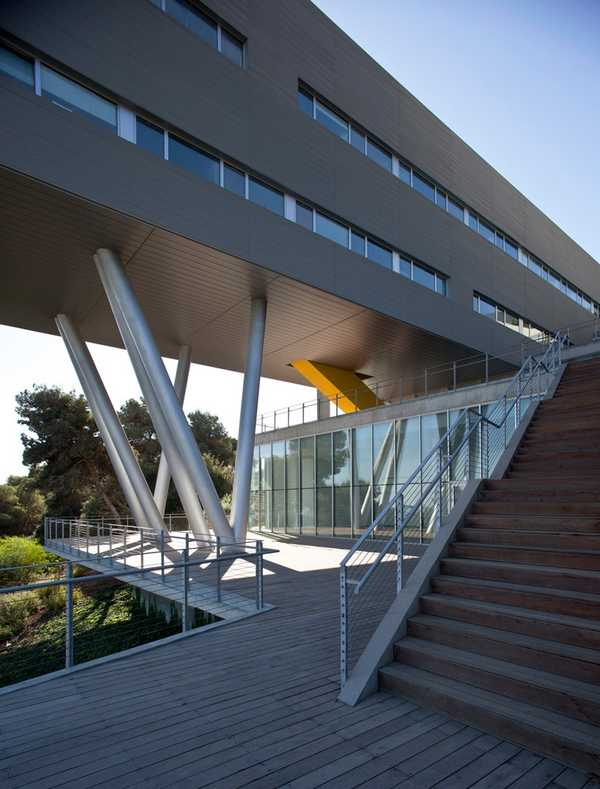 Haifa University Student Center by Chutin Architects