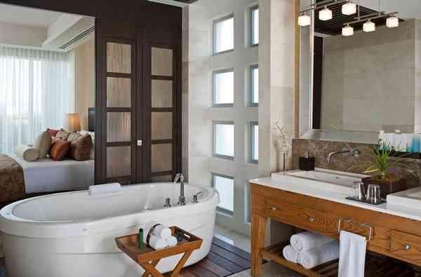 Guest room bathroom