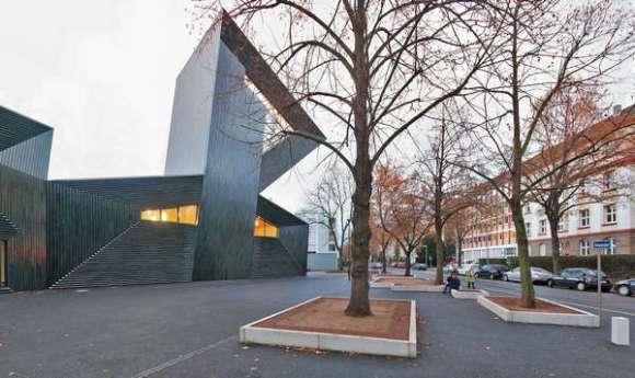Facade Building Part A