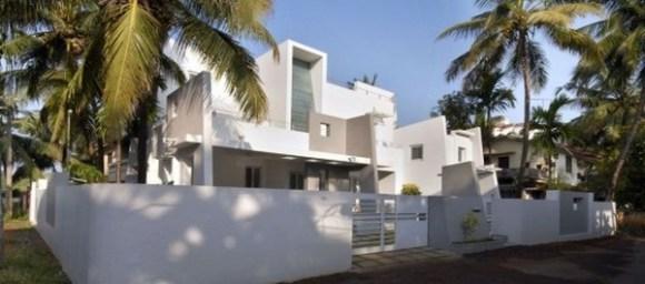 Residence at Punkunnam (Image Courtesy LIJO RENY architects)