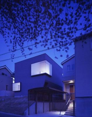 Facade in the night (Images Courtesy Kaori Ichikawa)