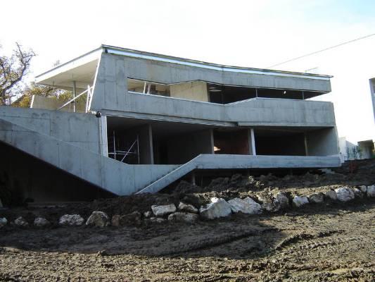Construction work (Images Courtesy Max Nirnberger)