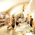 Retail unit, Comiquest (Images Courtesy Maarten Laupman)