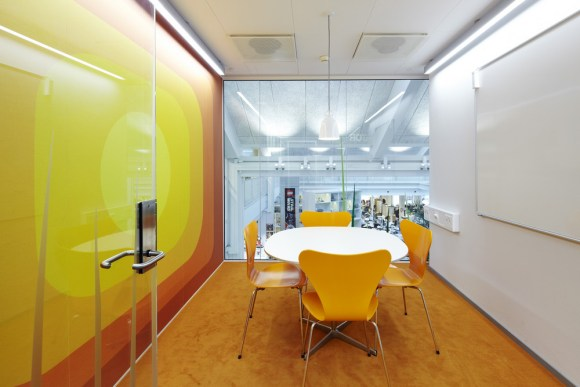 Yellow Meeting Room (Image Courtesy Anders Sune Berg)