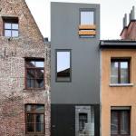 Front facade (Images Courtesy Filip Dujardin)