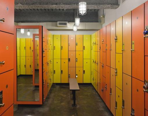 Locker-room02