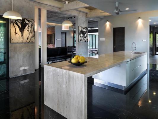 Kitchen and breakfast area : Image Courtesy © Lin Ho