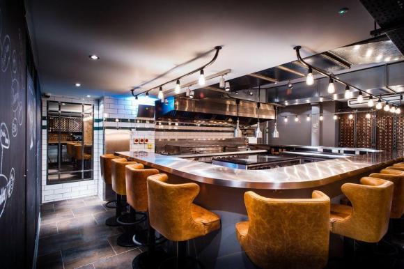 &Kitchen Table – Bubbledogs / B3 Designers
