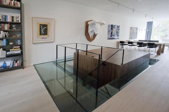 wooden cube with glass floor - ground floor, Image Courtesy © Cornelie de Jong