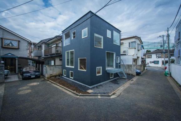 Image Courtesy © Hiroshi Tanigawa