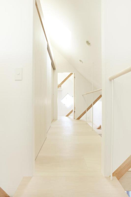 2F View from stair.,Image Courtesy © Fumihiko Ikemoto