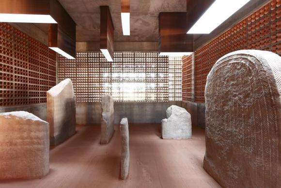 Transmitter Space for the Megalithic Tumulus/Dolmen(2007-2013, Toni Gironès, in Seró, Artesa de Segre),Image Courtesy © Aitor Estevez