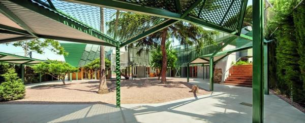 Can Zariquiey – Arenys de Munt Clinic(2006-2013, Josep Miàs, Josep Miàs Arquitectes, in Arenys de Munt), Image Courtesy © Adrià Goula