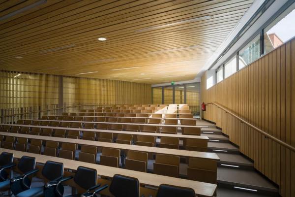Image Courtesy © Hubert & Roy architects and associates