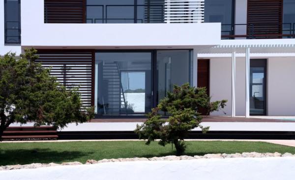 Image Courtesy © Dom Arquitectura