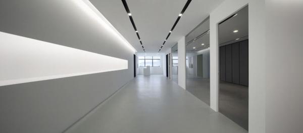 Stepping into a WHITE Reception Lounge, Image Courtesy © Jeremy San Tze Ning
